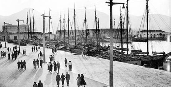 Una exposición en Es Polvorí repasa la historia del puerto de Vila