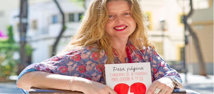 Rebecca Beltrán presenta su último libro, 'Pasa página, cuaderno de actividades para olvidar a tu ex'