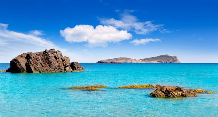 Mar azul y Tagomago 725 x 390