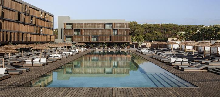 OKU hotel piscina Ibiza 725 x 320